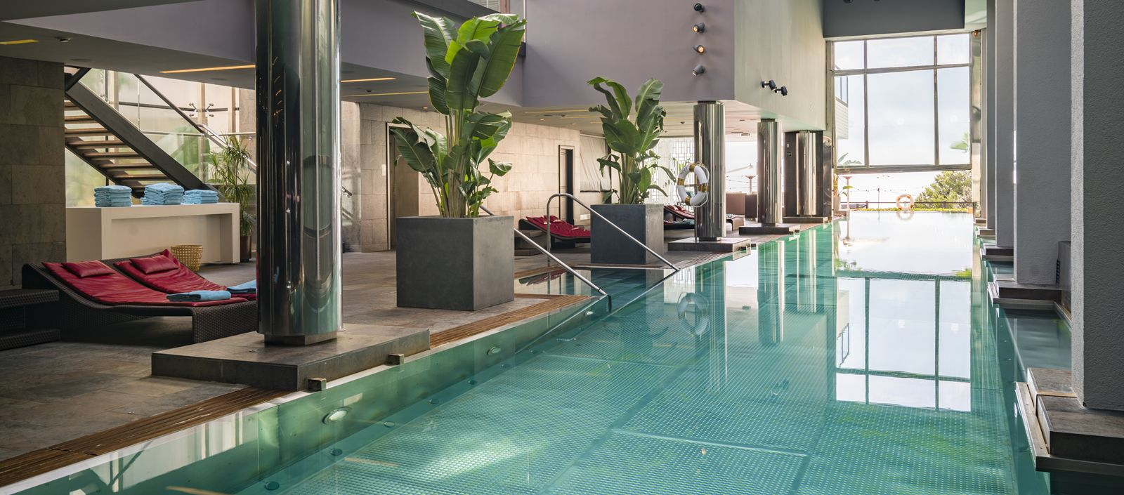 Zona de aguas wellness gran hotel la florida - Spa aguas de barcelona ...
